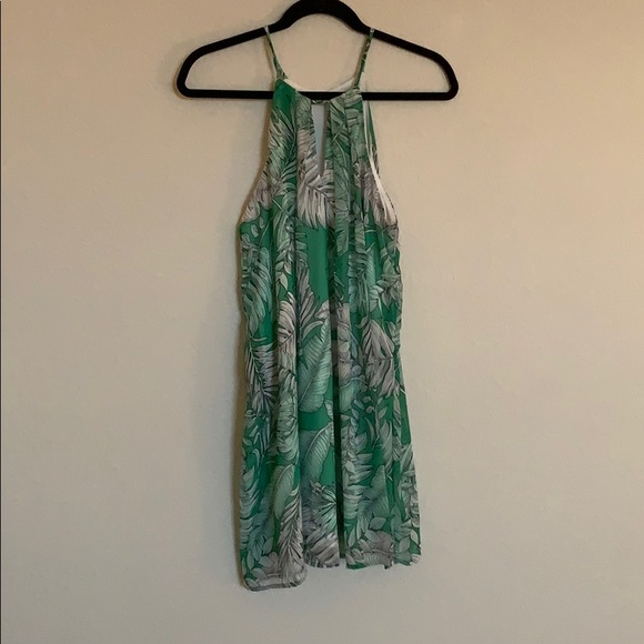 maitai Dresses & Skirts - Green and White Tropical Shift Dress 👗